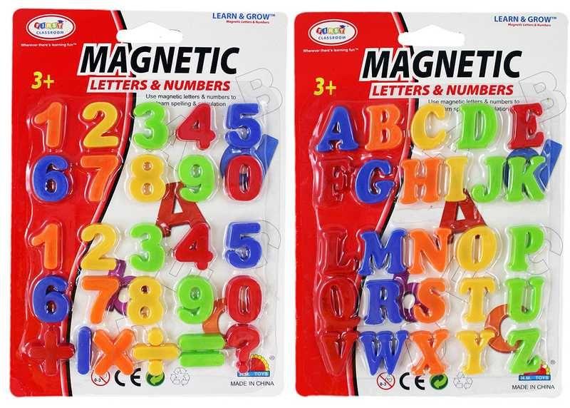 Čísla nebo písmena plastová magnetická malá sada na kartě