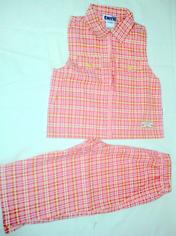 Letní plátěný komplet vestička a kratší kalhoty 2roky/92-104 Trend Tulec